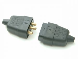 Black Plug & Socket 10A 3 Pin